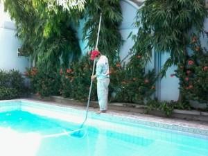 Dịch vụ vệ sinh bể bơi - Vệ sinh bể bơi